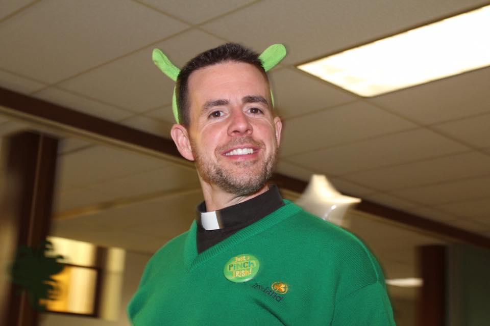 Pastor: Fr. Scott VanDerveer